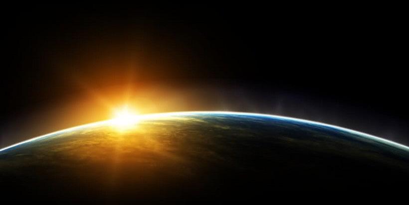 восход Солнца, вид из космоса