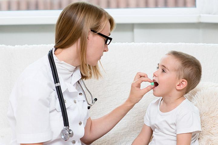 понос и температура у ребенка после антибиотиков