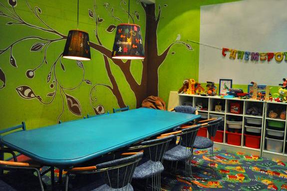 "Детская комната в кафе ""Лабиринт"""
