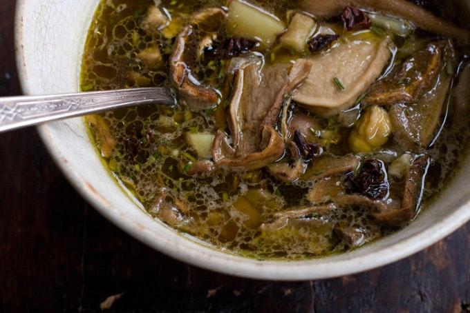 Ароматный грибной суп
