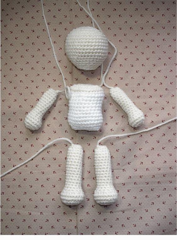 сборка каркасной куклы крючком
