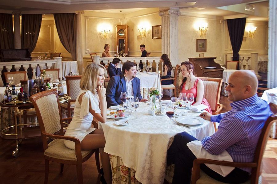 """Атмосфера ресторана """"Достоевский"""""""