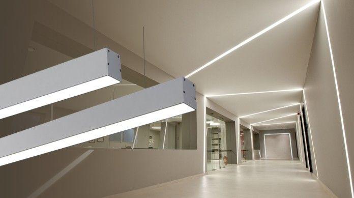 подвесные светильники и световые линии в интерьере