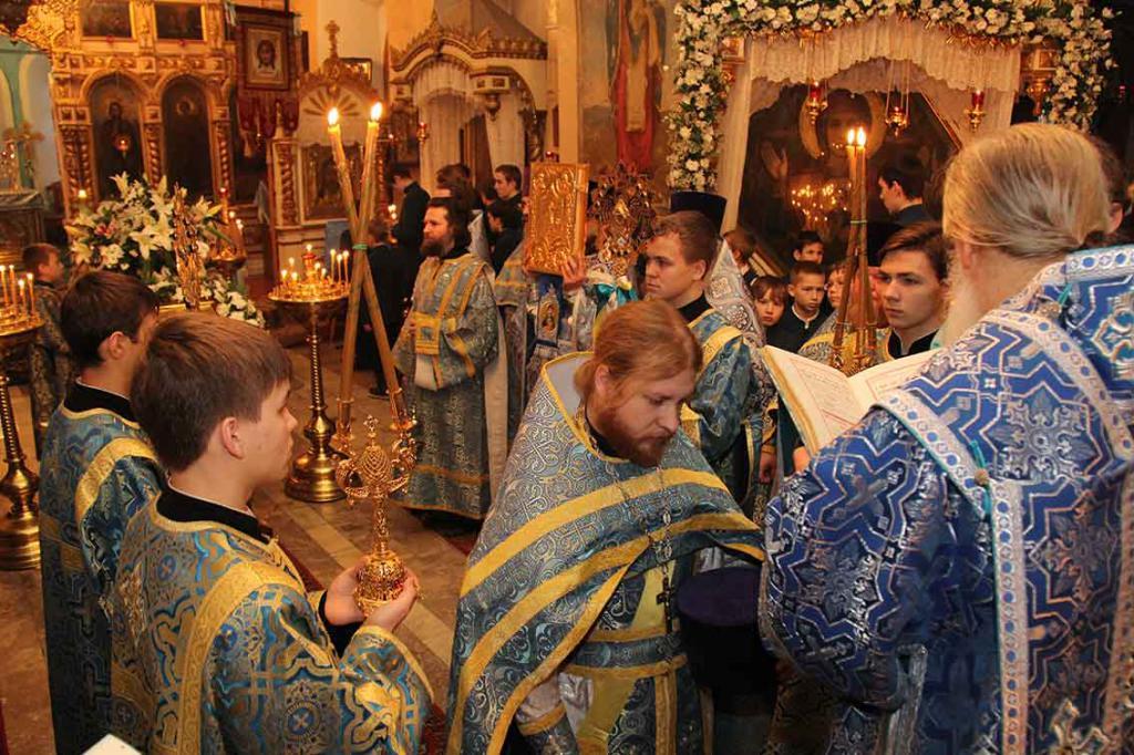 Богослужение в Знаменском соборе