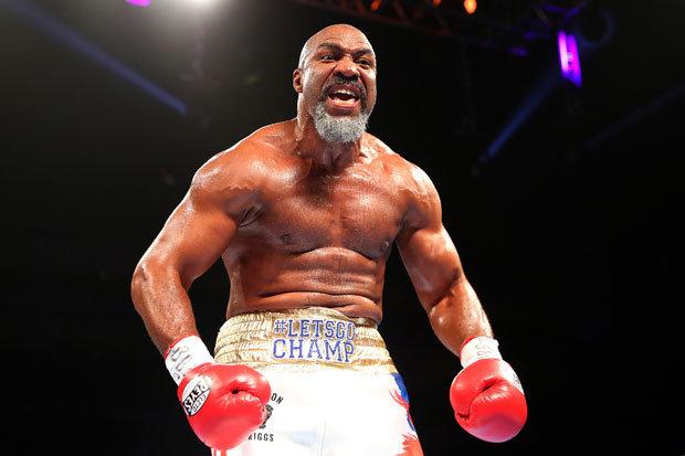 мужчина на ринге