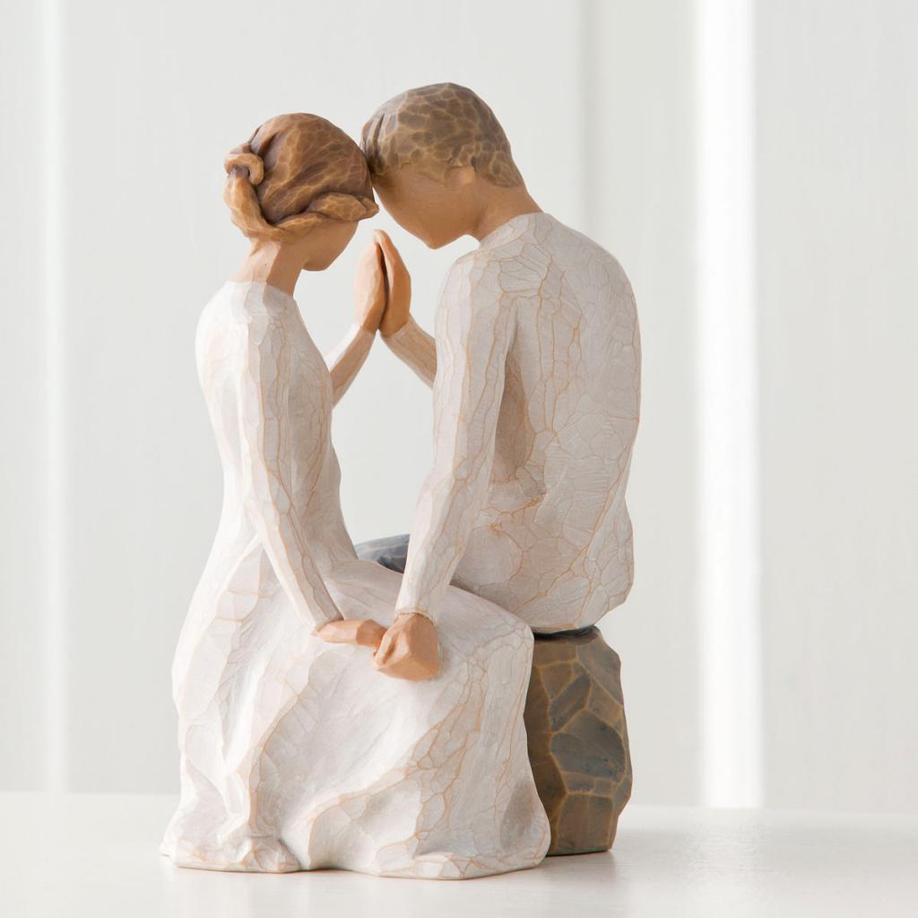 Подарок в виде статуэтки