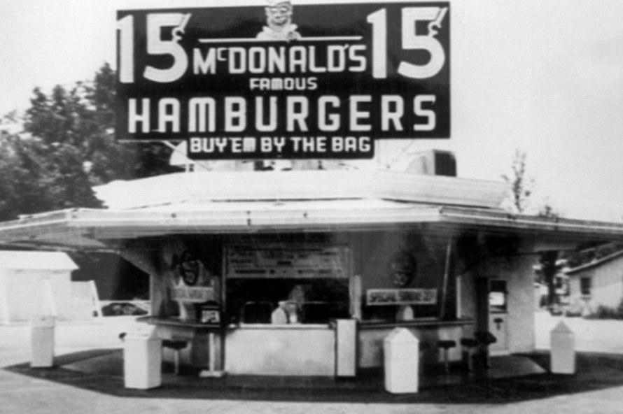 Самый первый Макдональдс в США
