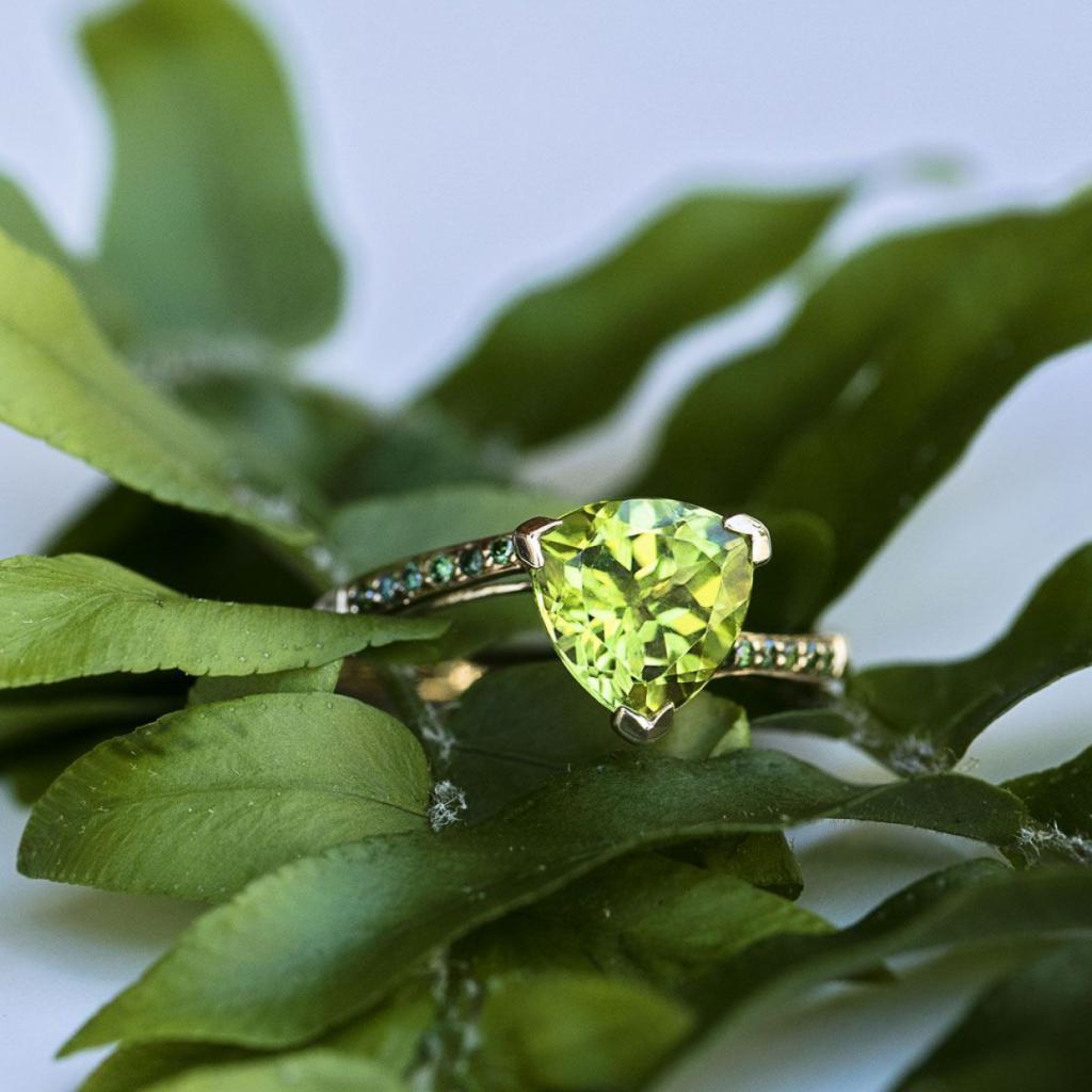 элегантный алмаз