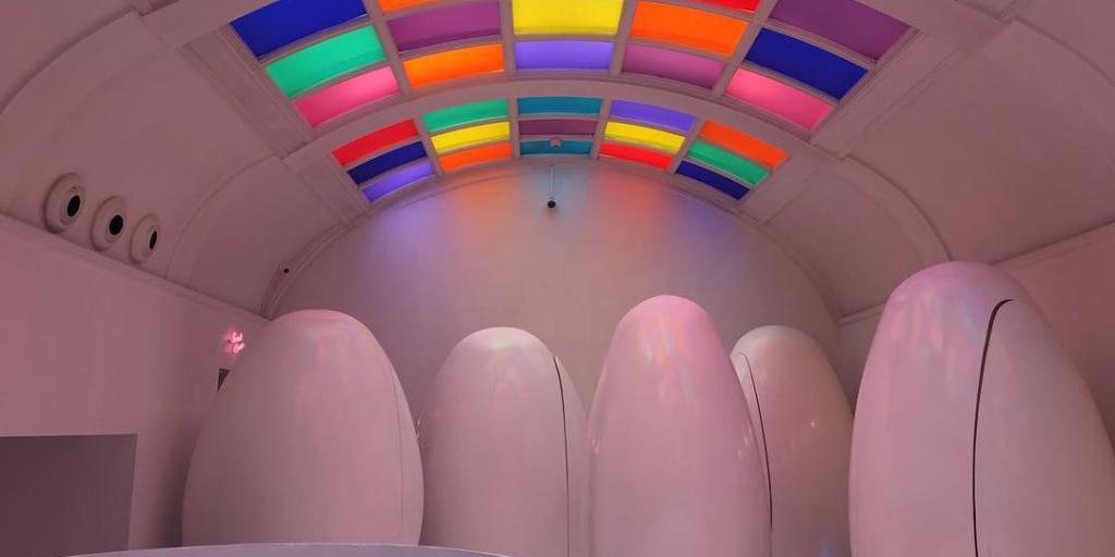 Необычный футуристический туалет