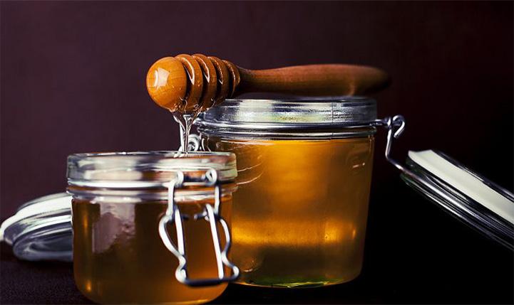 Натуральный мед в стеклянной банке