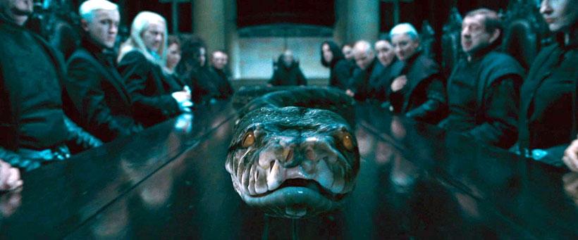 Змея Нагайна