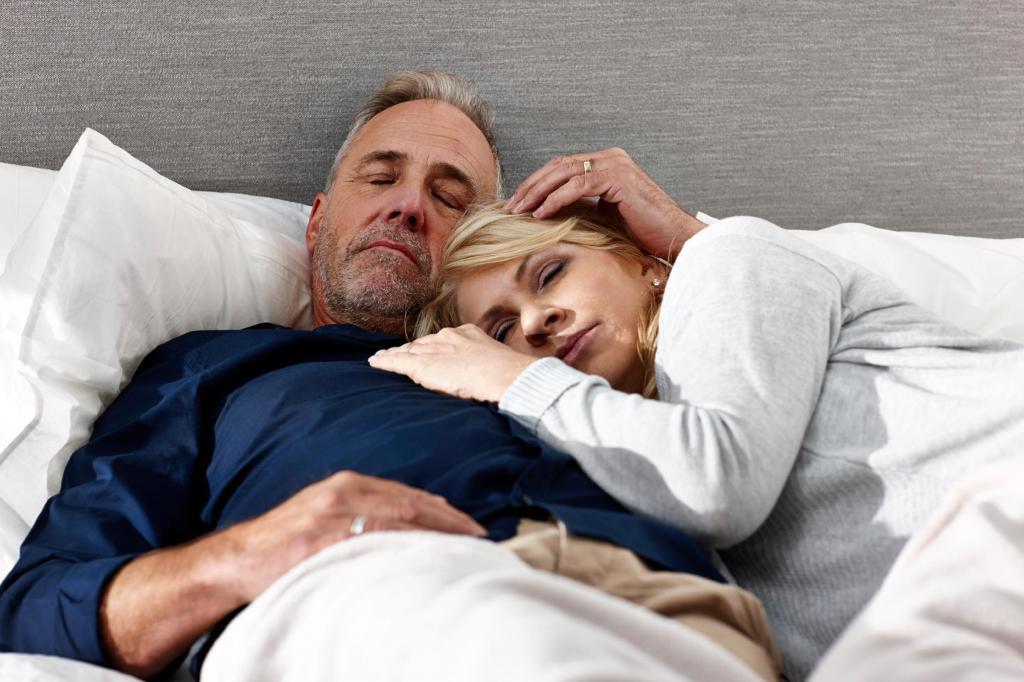 Мужчина и женщина в одной постели