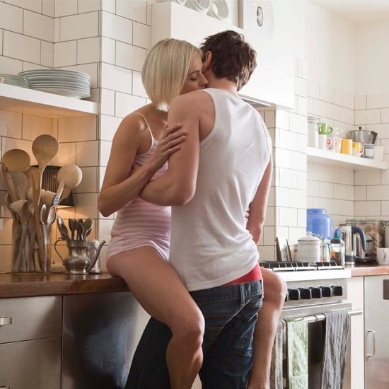 секс на кухне