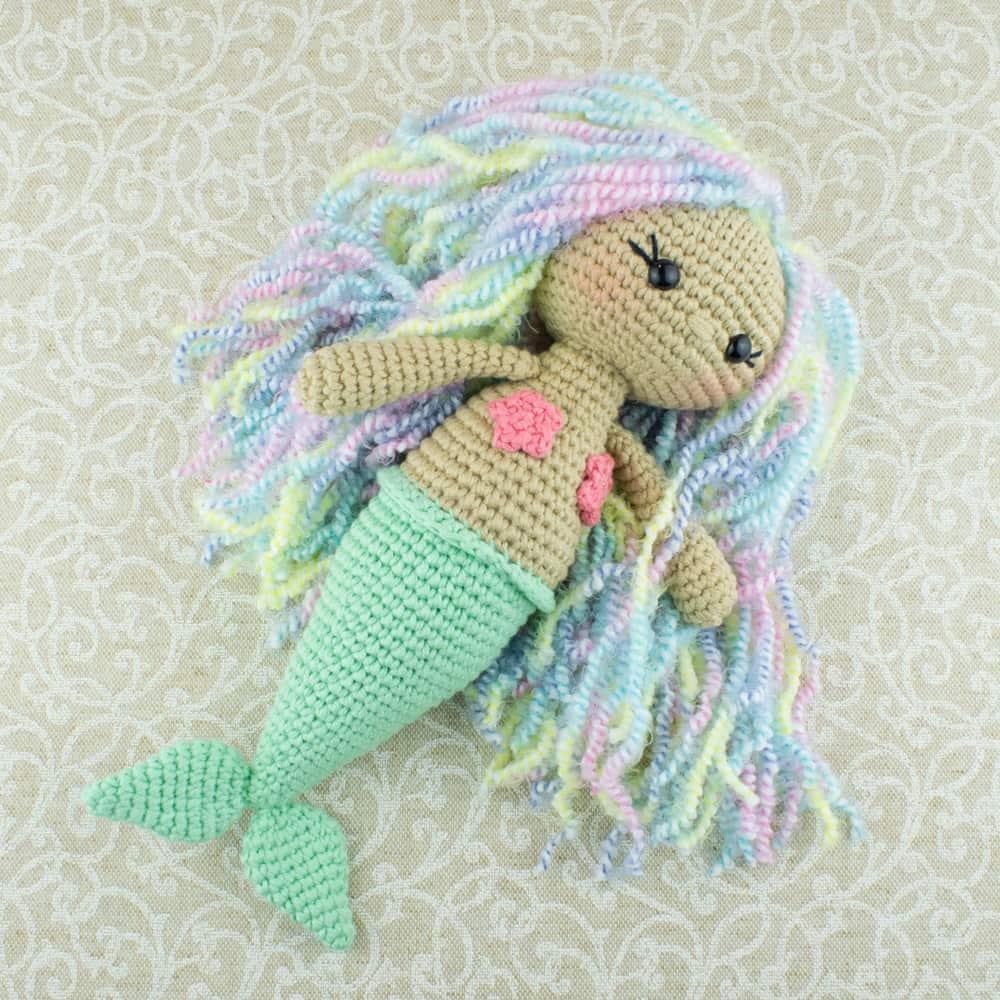 Русалочка с цветными волосами