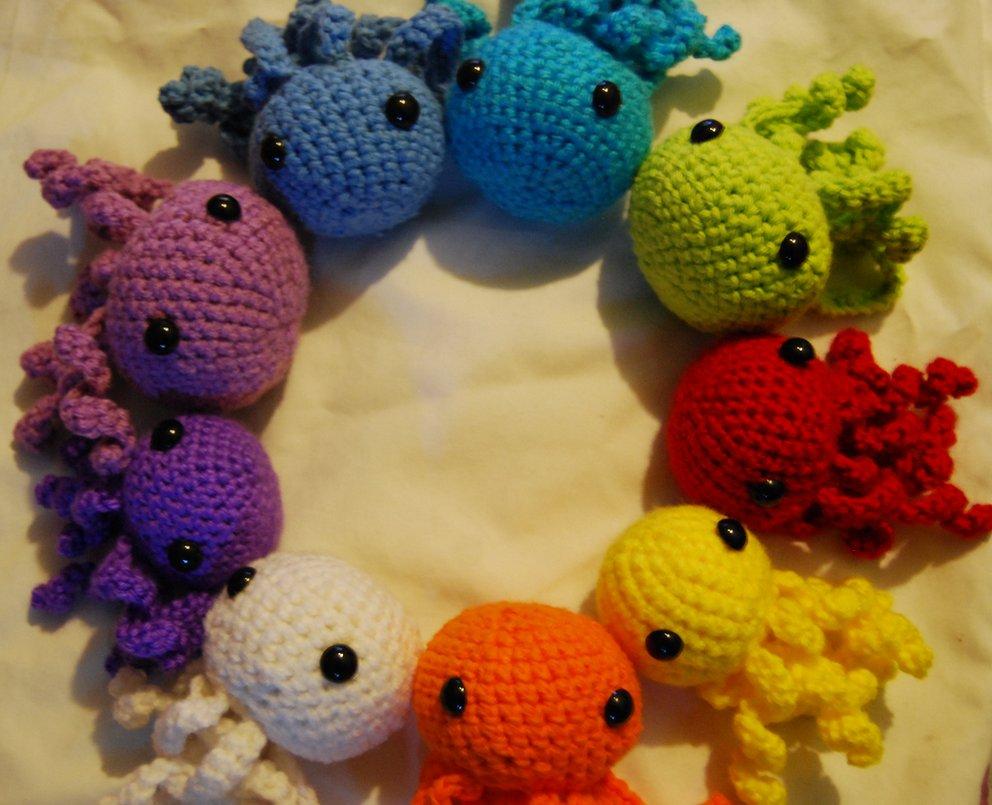 Разноцветные осьминожки