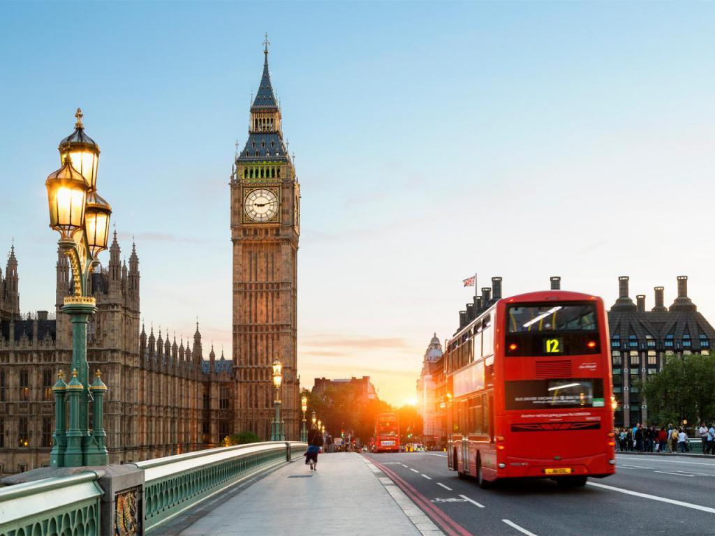 средний заработок в лондоне в месяц