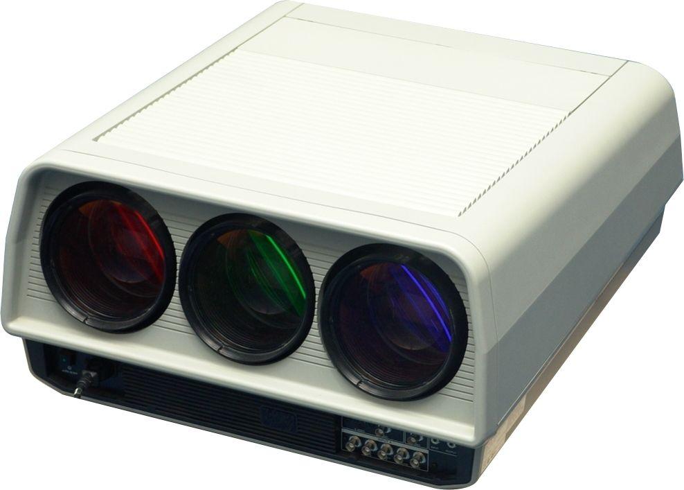 CRT проектор