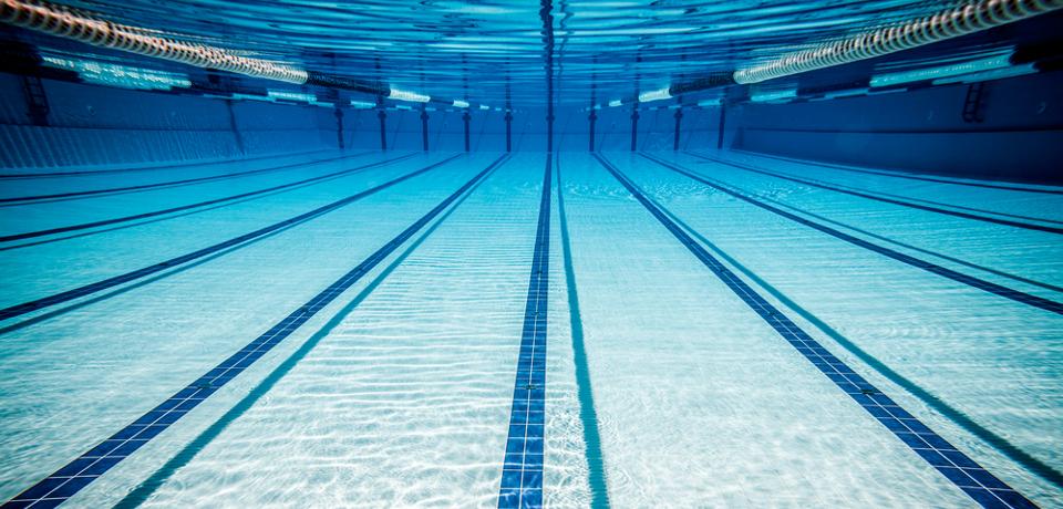 бассейн под водой