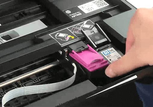 полосит принтер hp