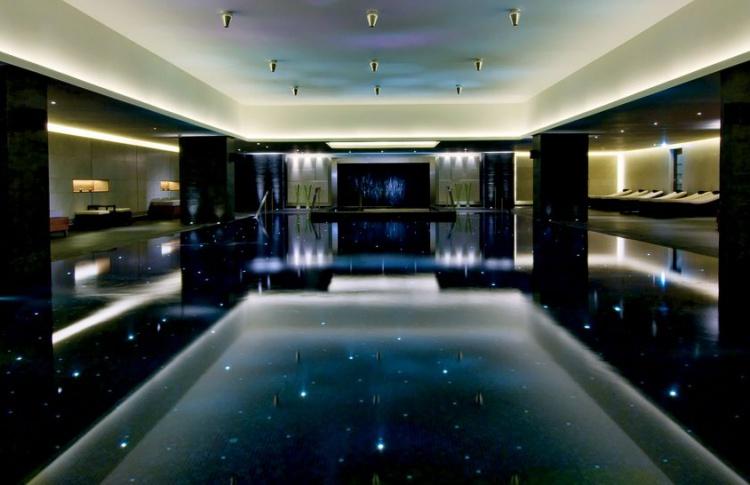 Ritz Carlton бассейн Москва