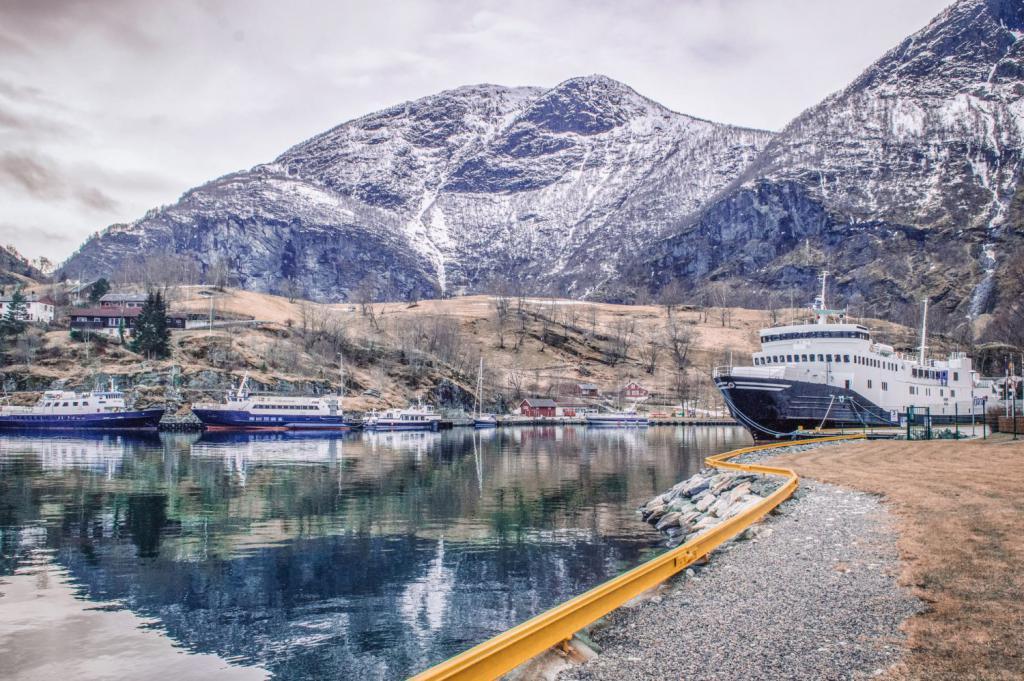 Занятость в Норвегии и зарплаты за часы работы