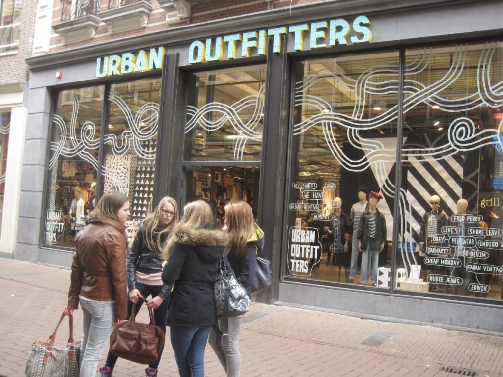 Покупка одежды в Амстердаме