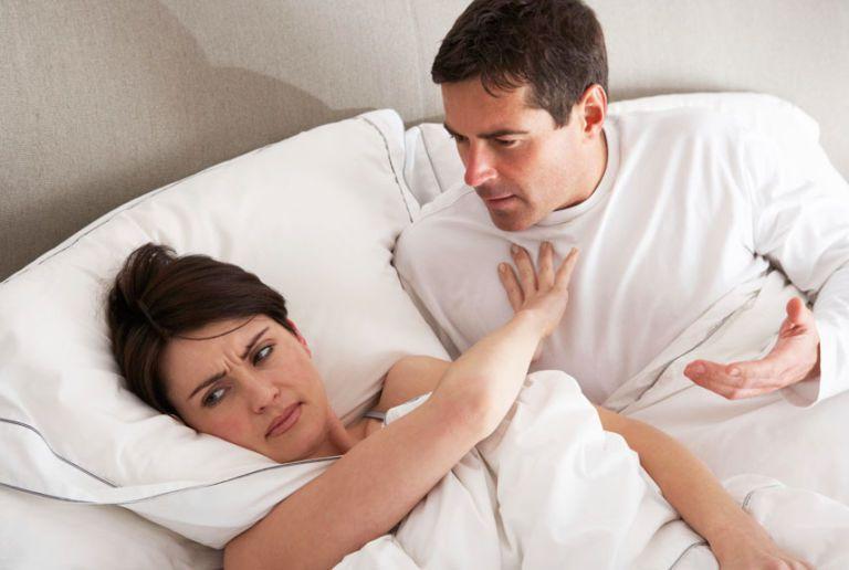 Жена отказывает в близости супругу