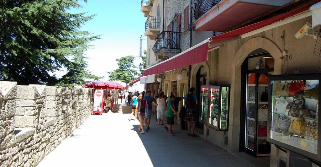 магазины с кожаными изделиями в Сан-Марино