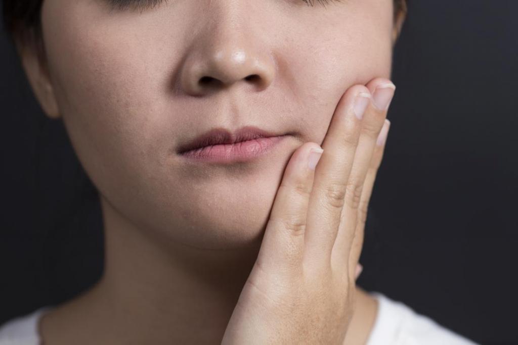 женские губы - точка возбуждения