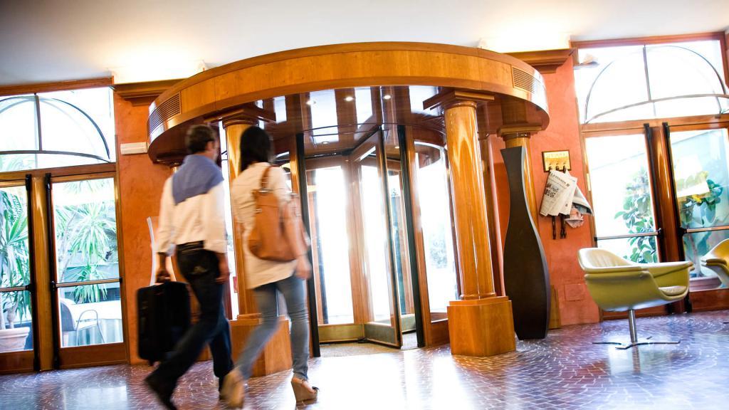 особенности и признаки договора оказания гостиничных услуг