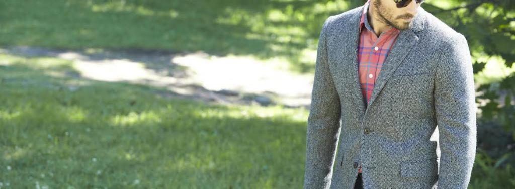 Примеры пиджаков с незастегнутой нижней пуговицей.
