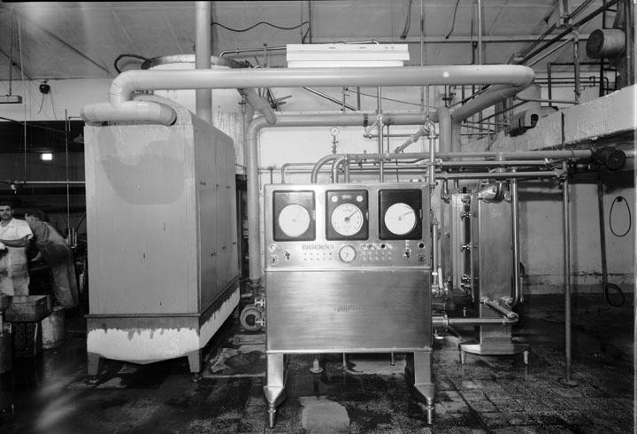 старое пастеризационно-охладительное оборудование