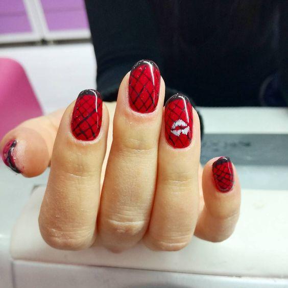 необычный черно-красный дизайн