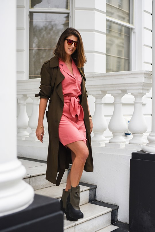какой цвет подходит к розовой куртке