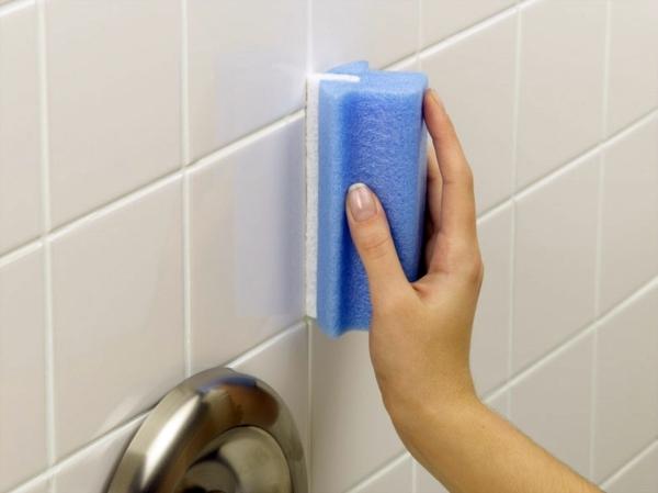 чистка швов в ванной