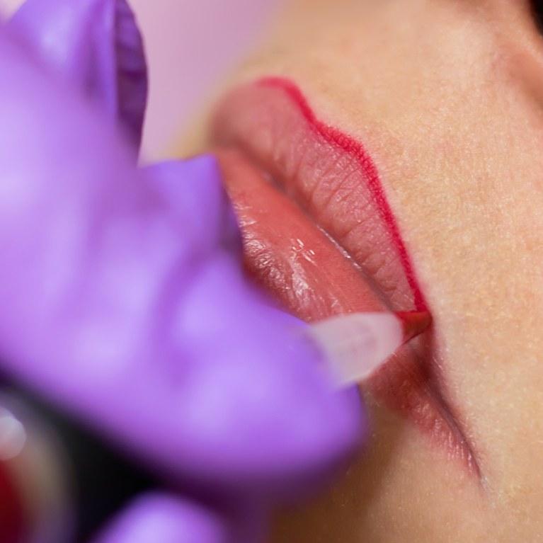 как правильно ухаживать за губами после татуажа