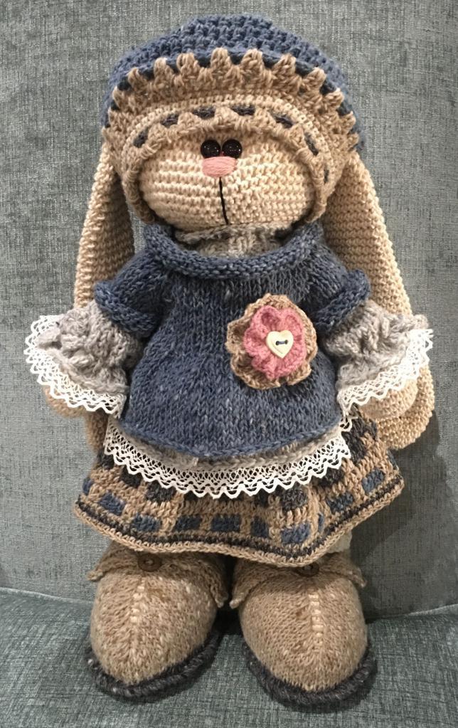 Одежда для вязаной зайки