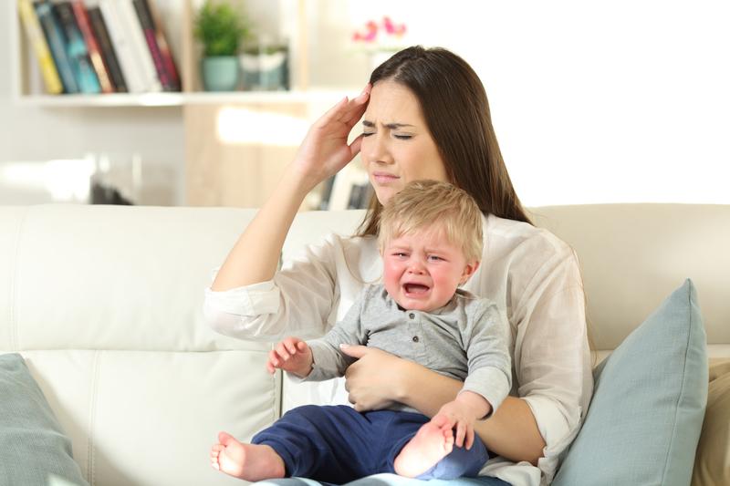 Раздражает плач собственного ребенка