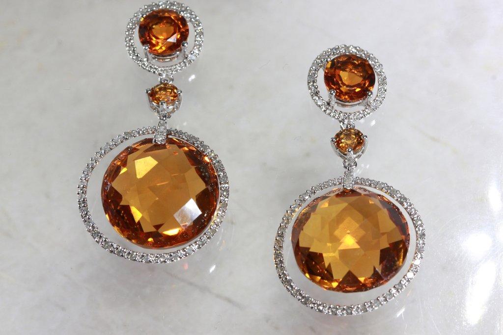серьги с золотыми топазами и бриллиантами