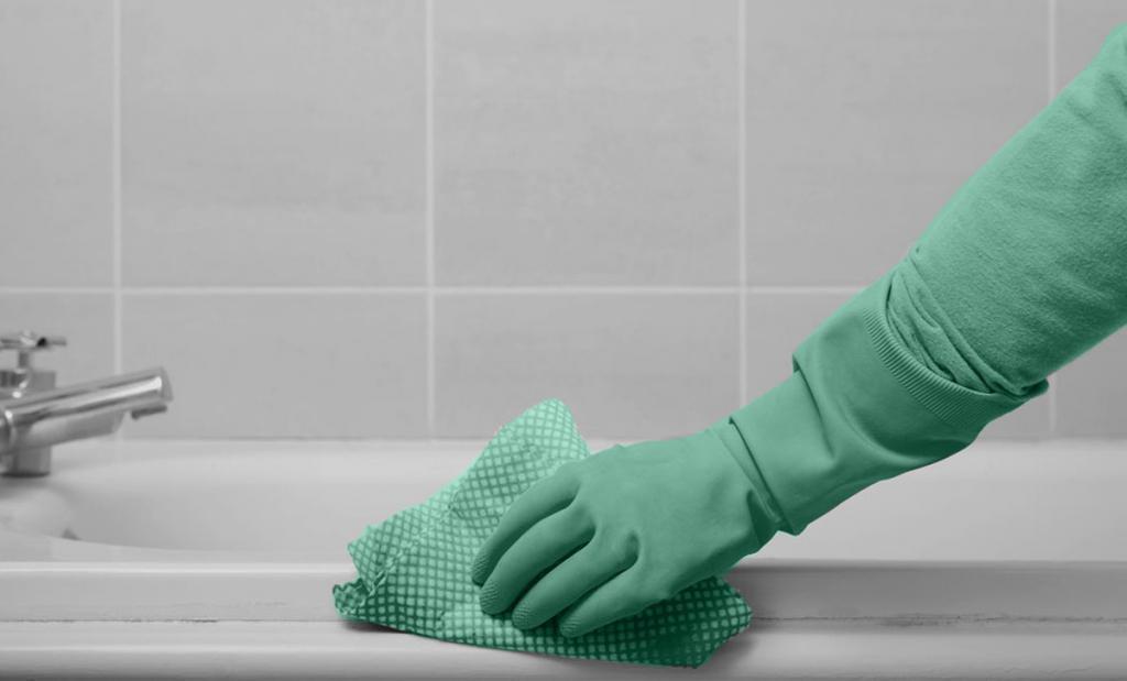 чистим ванну