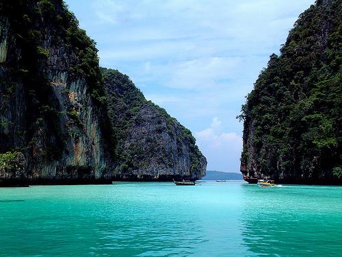 остров в малайском архипелаге