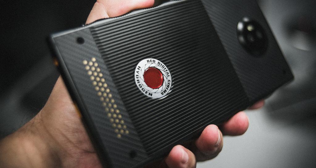 голографический проекционный экран