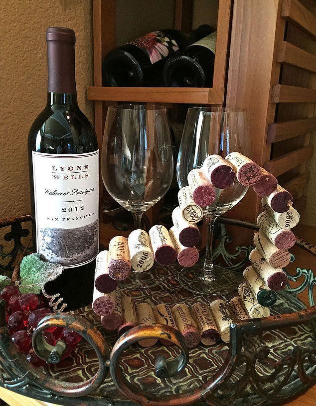 Карета из винных пробок