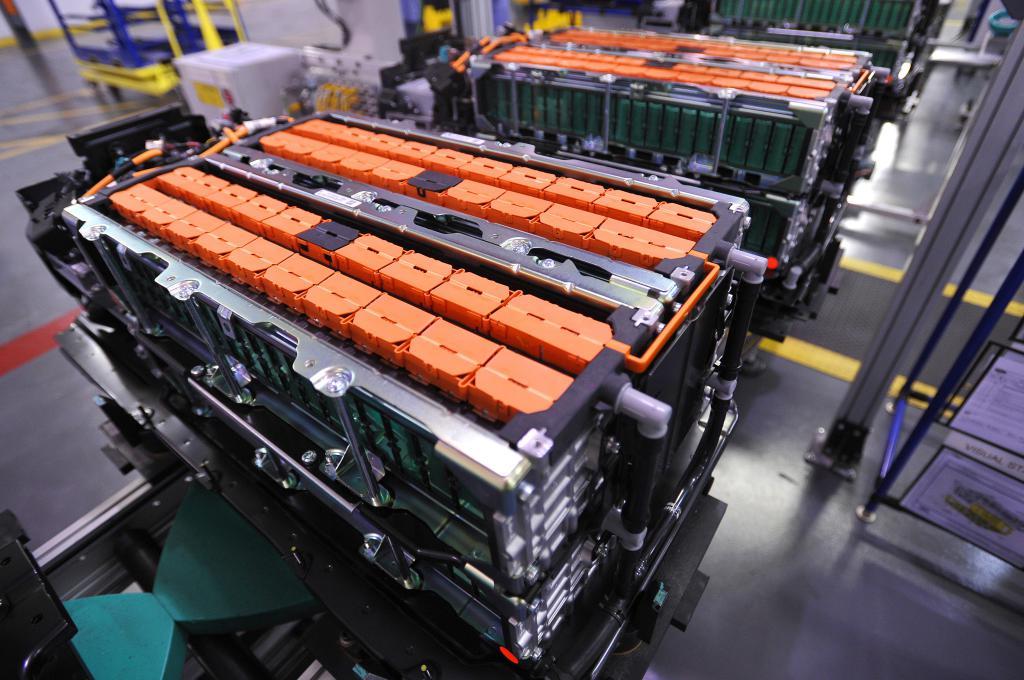 литий аккумулятор для автомобиля