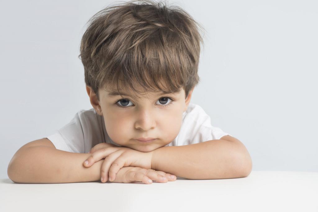 ребенок не хочет играть с другими детьми