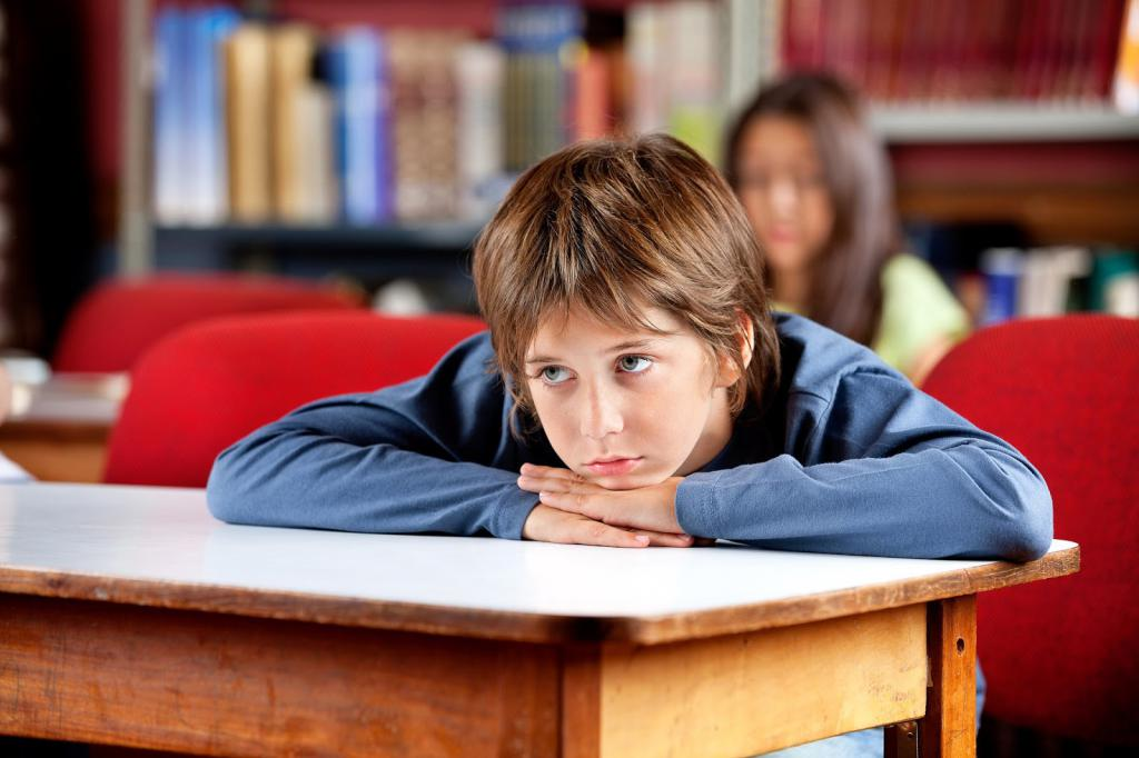 ребенок не хочет общаться со сверстниками