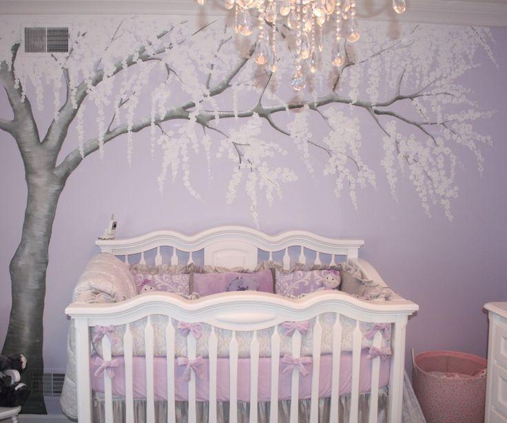 комната в фиолетовых тонах