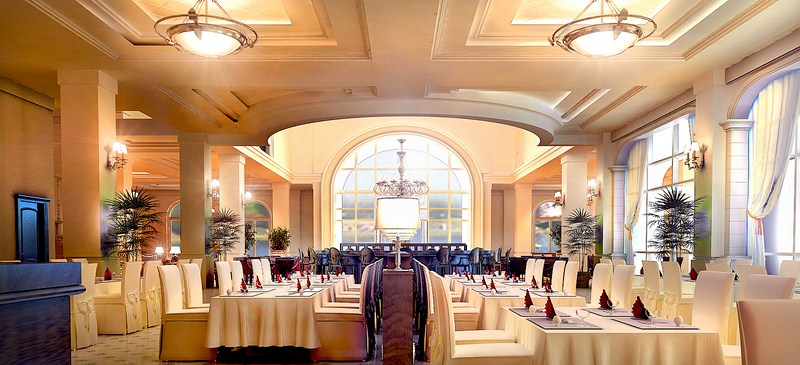 Ресторан в отеле.