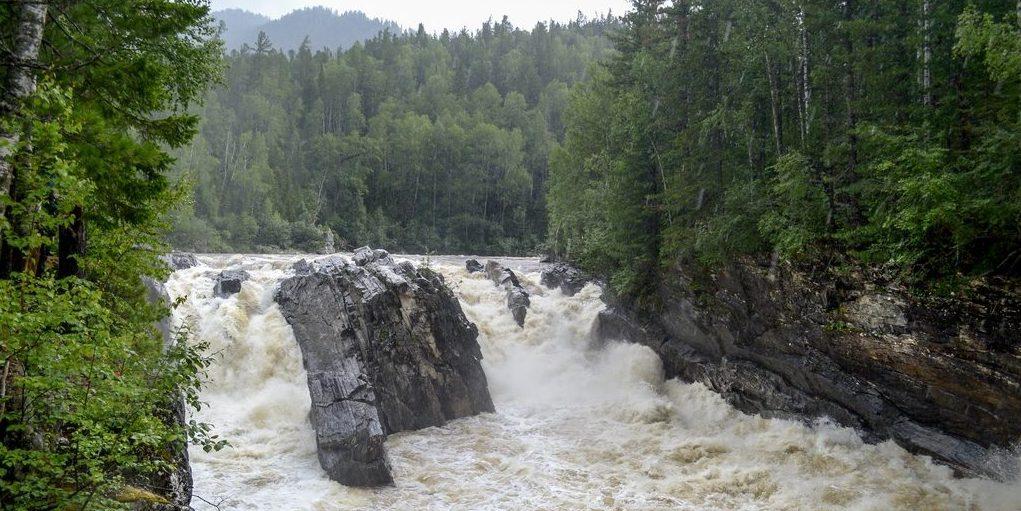 водопад Хырмын-Дулю
