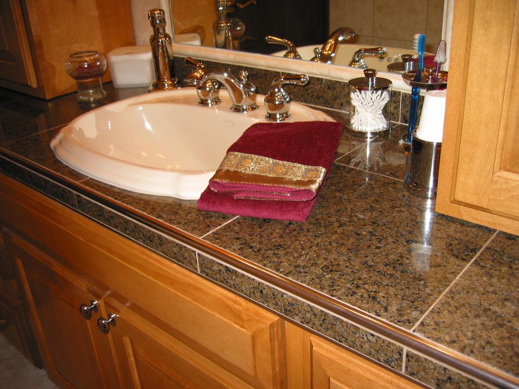 столешница под плитку в ванной